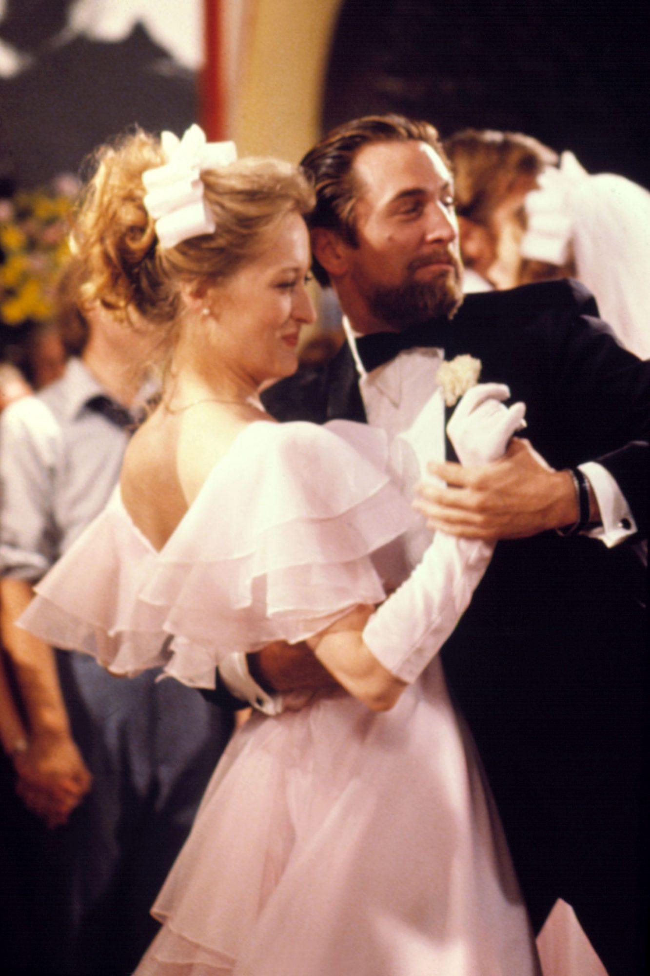 THE DEER HUNTER, Meryl Streep, Robert De Niro, 1978, (c) Universal/courtesy Everett Collection
