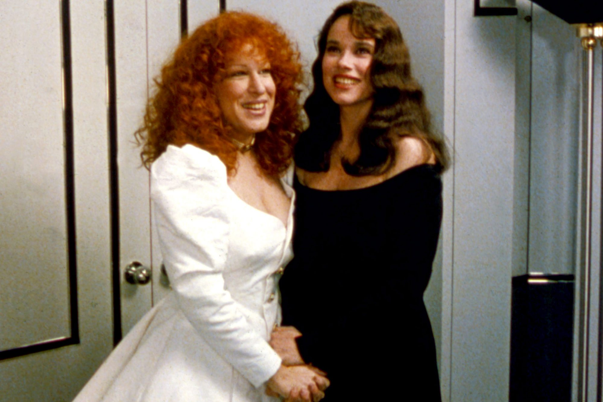BEACHES, Bette Midler, Barbara Hershey, 1988. © Buena Vista Pictures / courtesy Everett Collection