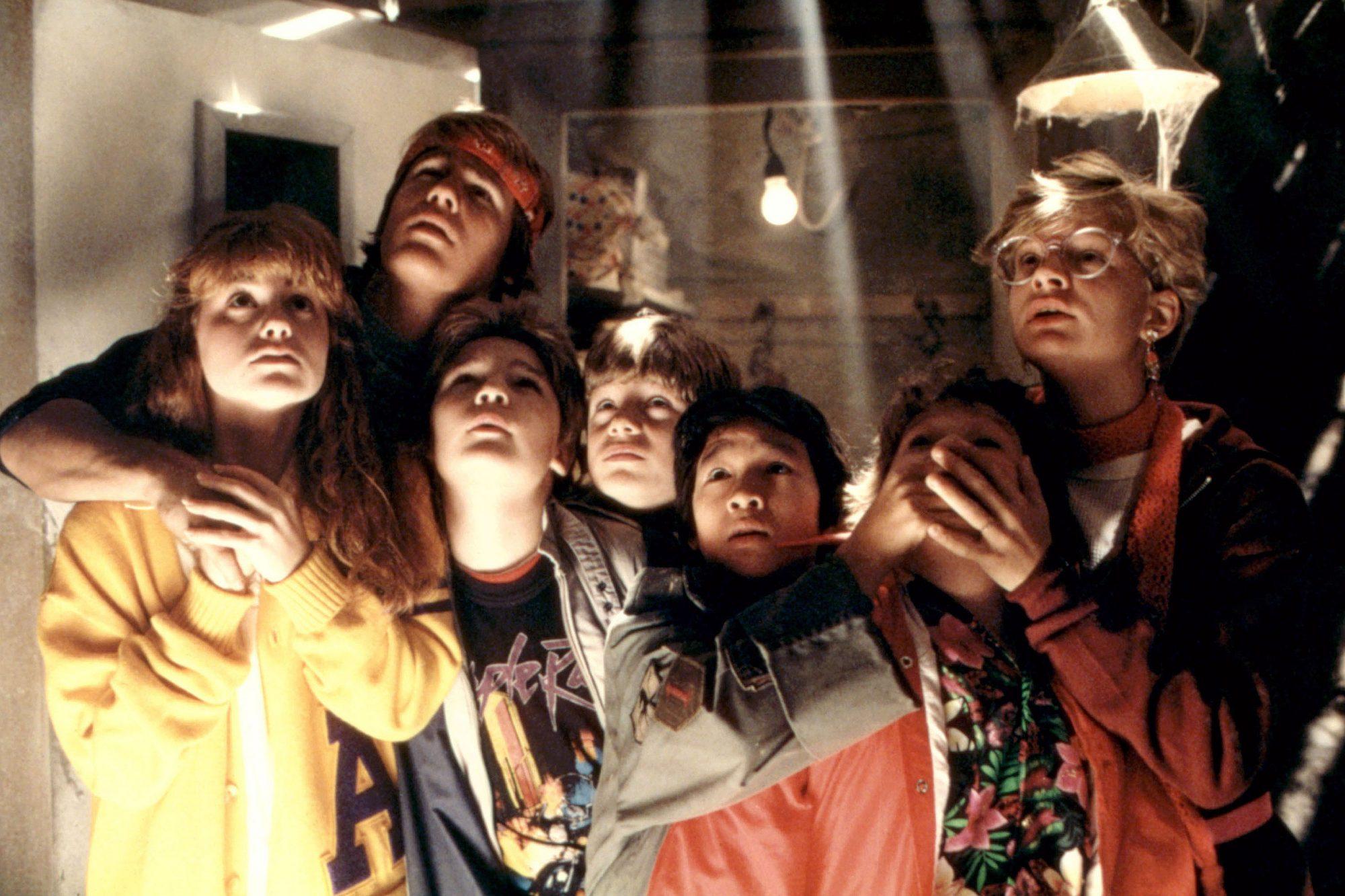 THE GOONIES, Kerri Green, Josh Brolin, Corey Feldman, Sean Astin, Ke Huy Quan (aka Jonathan Ke Quan)