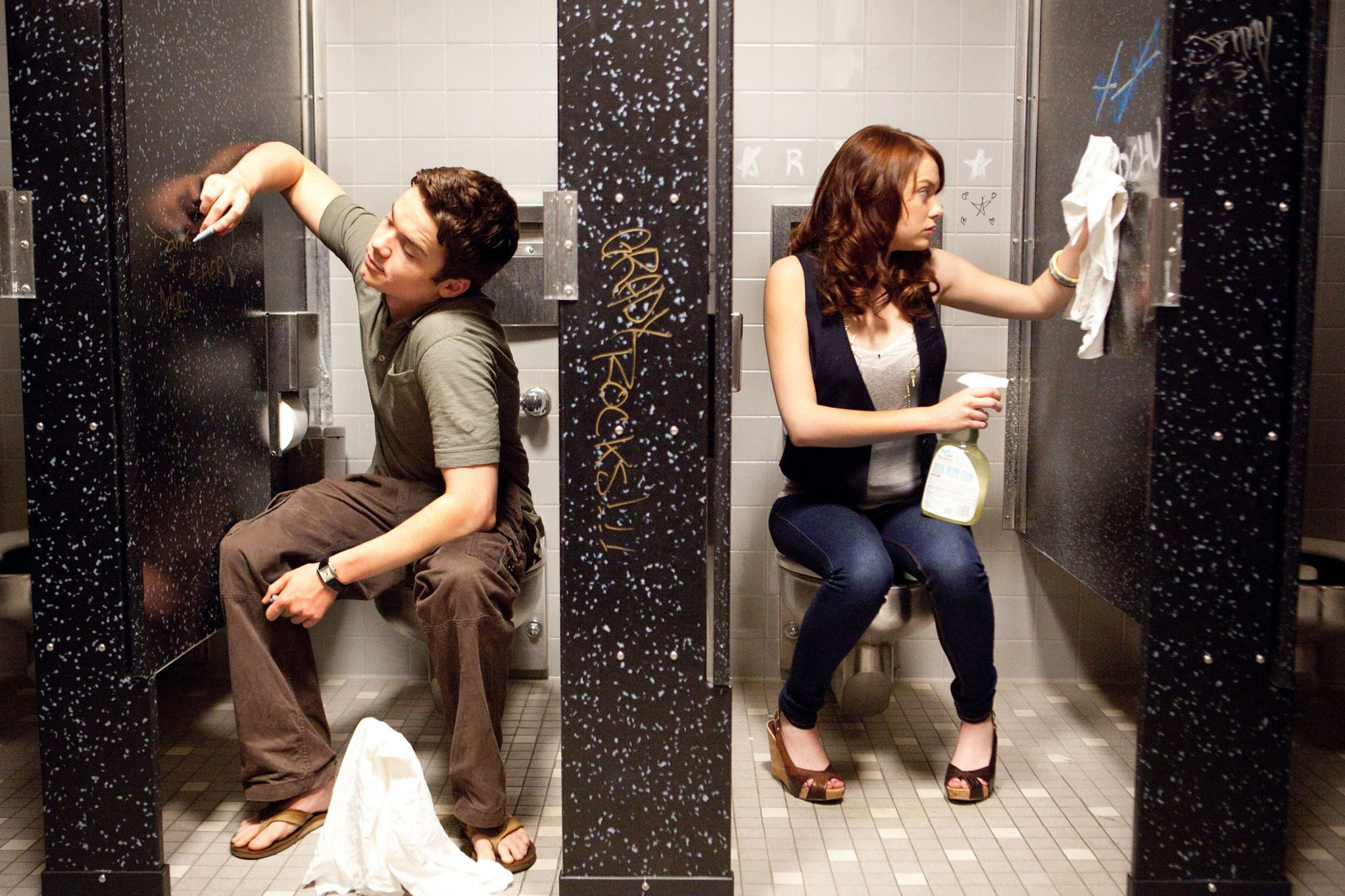 EASY A, from left: Dan Byrd, Emma Stone, 2010. ph: Adam Taylor/©Screen Gems/Courtesy Everett Collect