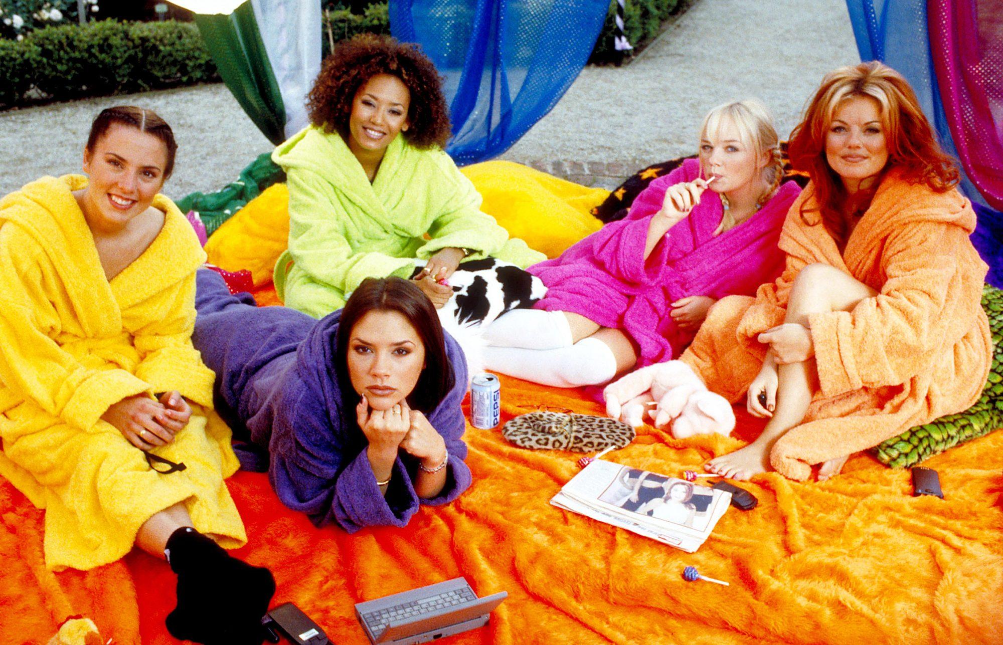 SPICE WORLD, Melanie Chisholm, Victoria Beckham, Melanie Brown, Emma Bunton, Geri Halliwell,  1997,(