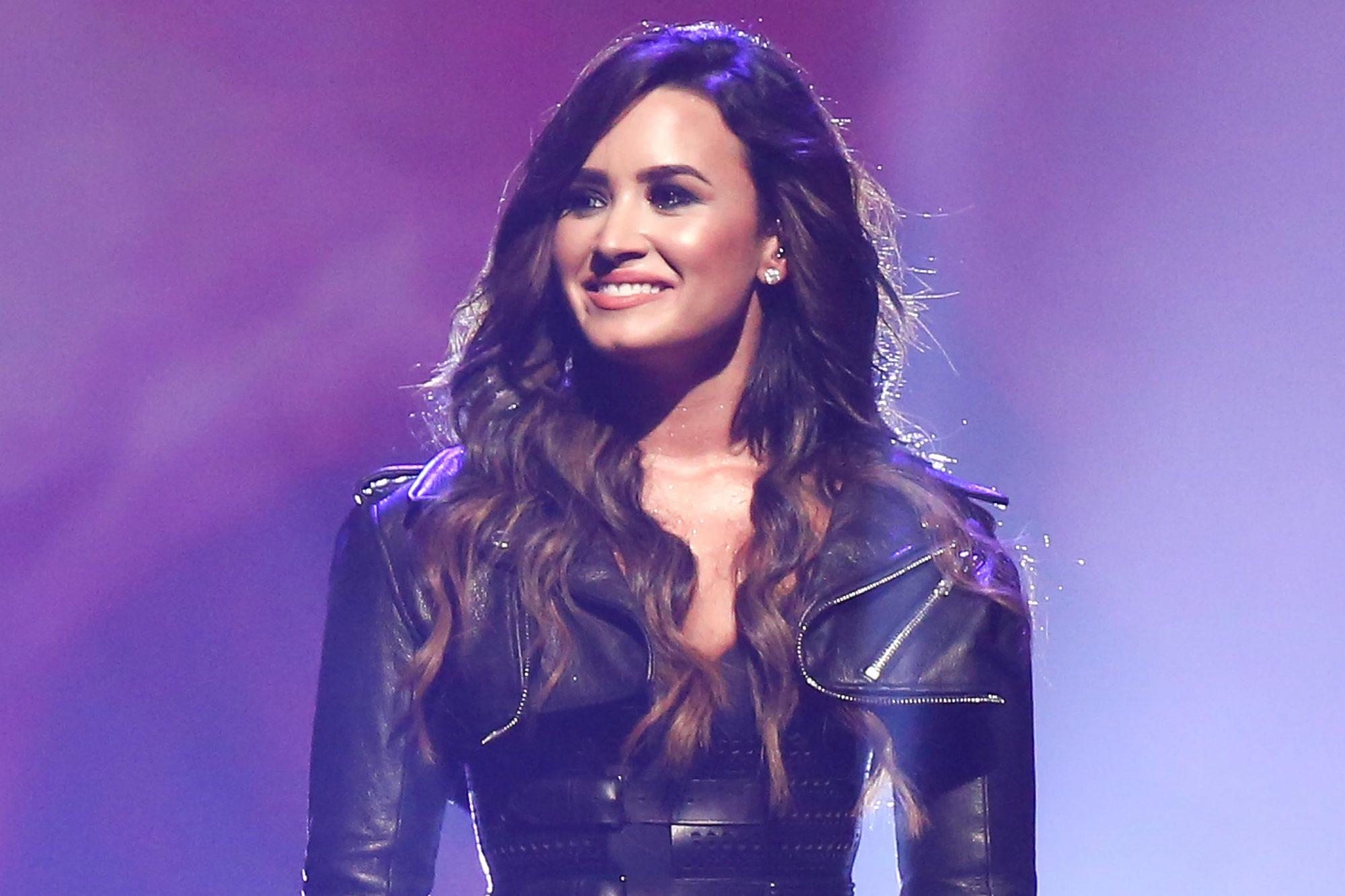 2016 Honda Civic Tour Featuring Demi Lovato & Nick Jonas: Future Now - Anaheim, CA