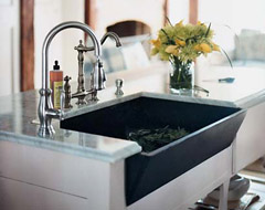 Modern Farmhouse Kitchen: Sinks