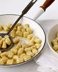 images-sys-200910-a-perfecting-gnocchi.jpg