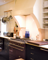 images-sys-201101-a-food-blogger-kitchen.jpg
