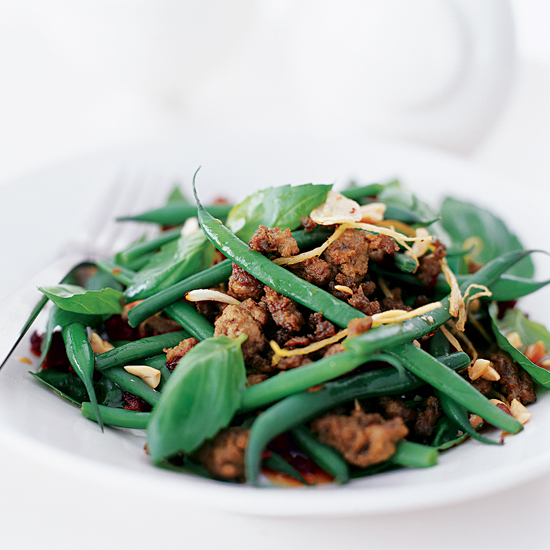 Turkey and Green Bean Stir-Fry with Peanuts