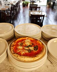 images-sys-200906-a-pizza-motorino.jpg