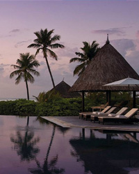 Maldives Resorts: Four Seasons at Kuda Huraa