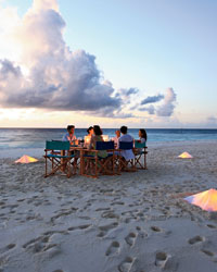 Maldives resorts: Dinner on a sandbank