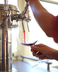 original-201204-a-wine-on-tap-pour-wine.jpg