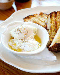 original-201205-b-250-WNTD-poached-eggs.jpg