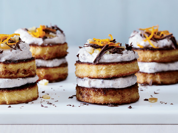 These pretty Italian cakes make a delicious (and gorgeous) brunch or dinner-party dessert. / © Ryan Liebe