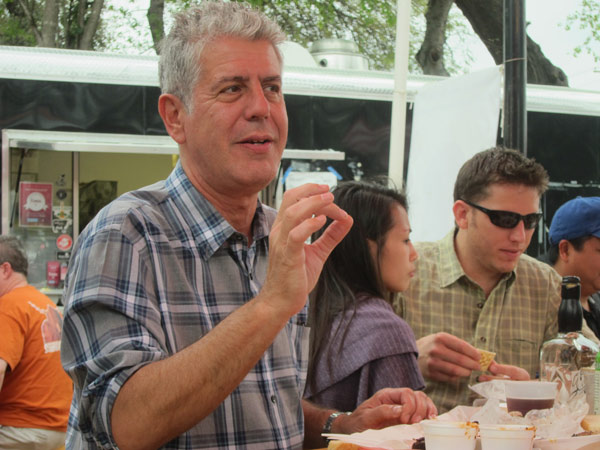 original-201208-b-600-Tony-Bourdain-Phoner.jpg