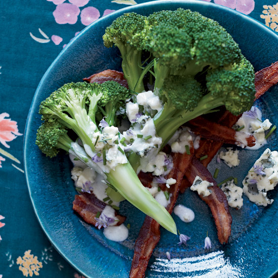 Summer Party Food: Broccoli with Bacon, Blue Cheese and Ranch Dressing