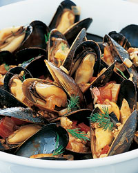 images-sys-200203-r-mussels-tomato-sauce.jpg