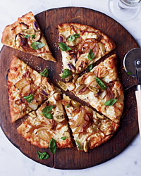 Fennel-and-Sweet-Onion Pizza with Green Olives