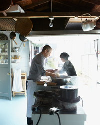 images-sys-201203-a-peko-peko-catering-cooking.jpg