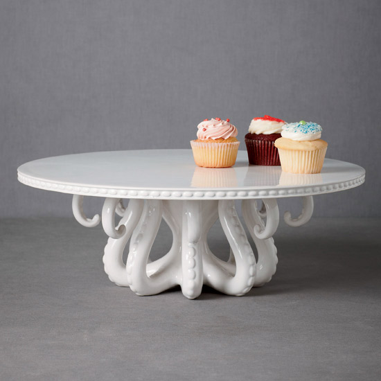 Kitchen Style: Ceramic Cake Stand