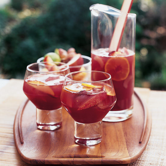 17 Refreshing Sangria Recipes