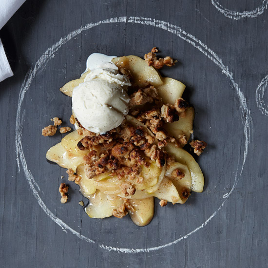 Apple Crisp with Granola Topping