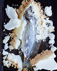 How to Cook Whole Fish in Salt: Crack Salt
