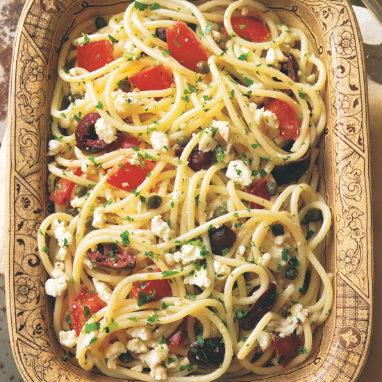 Spaghetti with Tomatoes, Black Olives, Garlic, and Feta Cheese