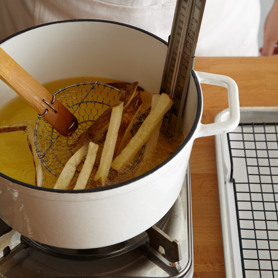 original-201309-HD-how-to-make-french-fries-step-5.jpg