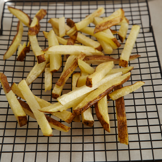 original-201309-HD-how-to-make-french-fries-step-6.jpg