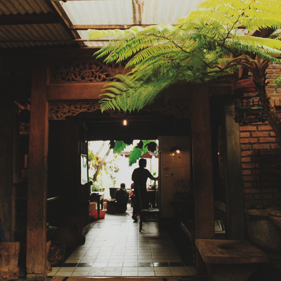 original-201309-HD-tumblr-cities-bandung-11.jpg