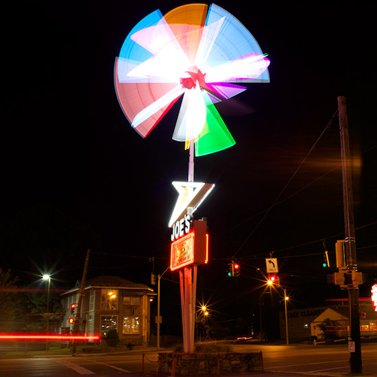 original-201309-HD-tumblr-cities-memphis-joes-illuminated-pinwheel.jpg