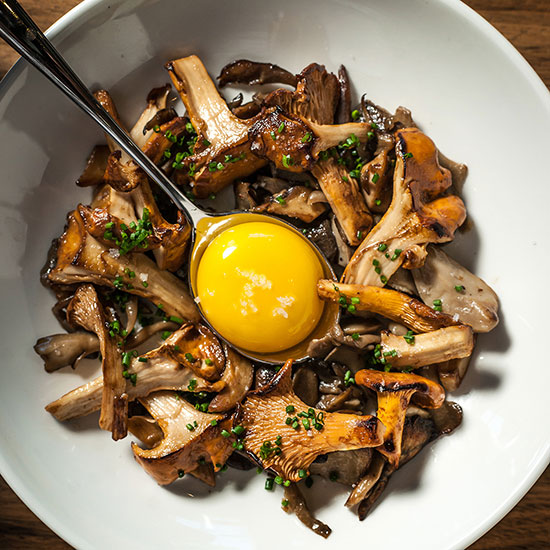 original-201310-HD-mushrooms-a-la-plancha-with-farm-egg.jpg