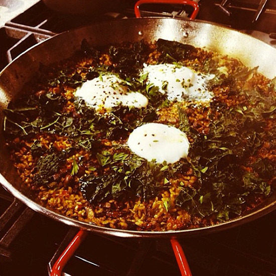 original-201310-HD-new-york-city-wine-and-food-festival-bobby-flay-paella.jpg