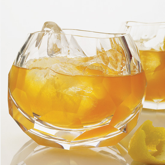 Cocktail Recipes: Whiskey Drinks
