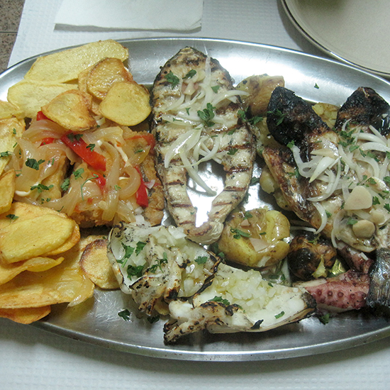 Fried Bacalao and Potatoes at Casa do Povo, Ferreirós do Dão