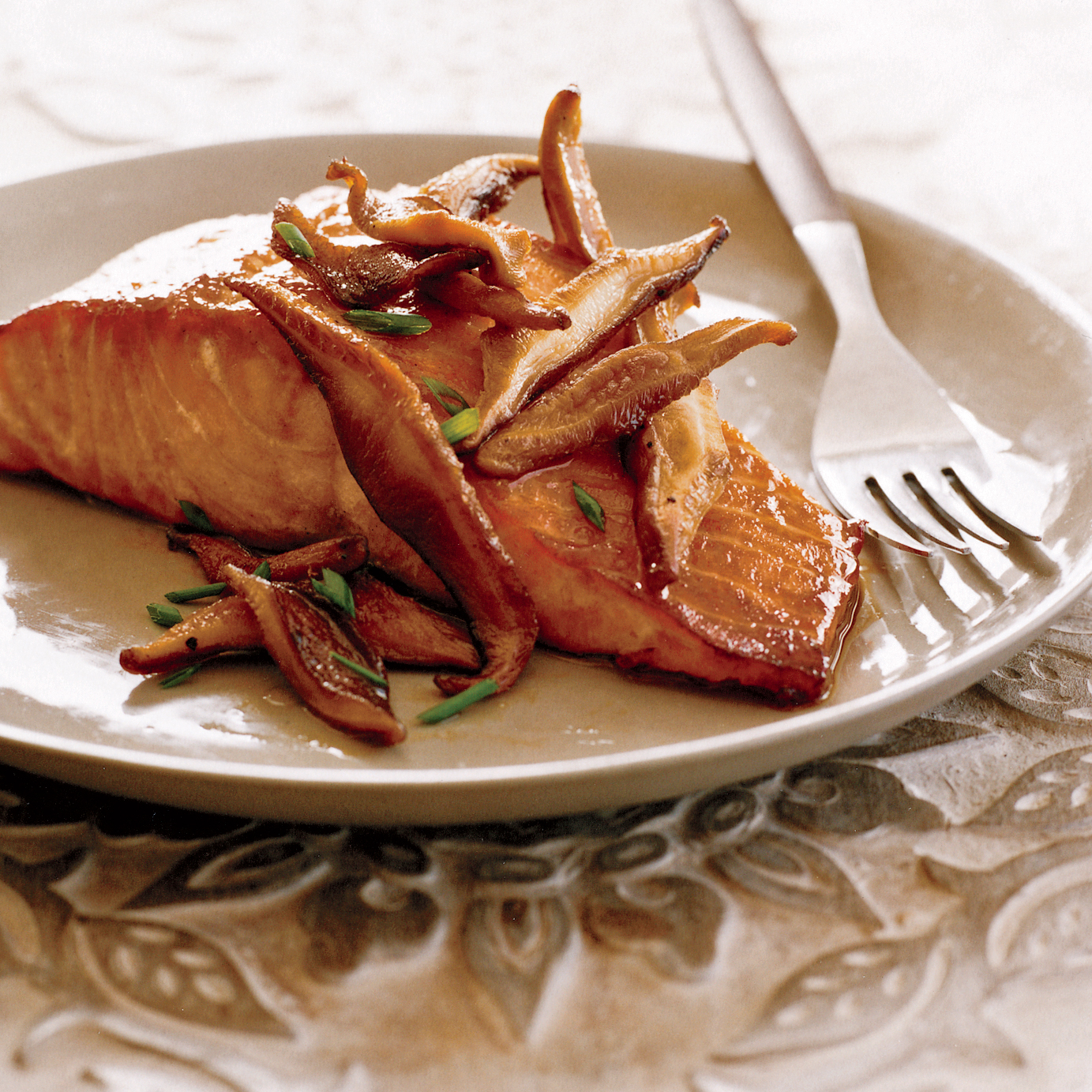 Grilled Salmon with Teriyaki Shiitake