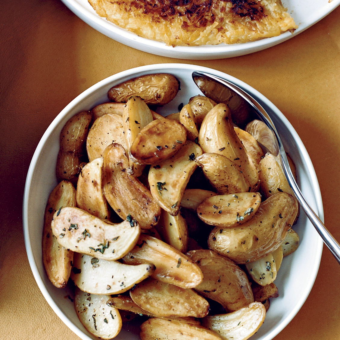 "<p itemprop=""name"">Lemony Salt-Roasted Fingerling Potatoes</p>"