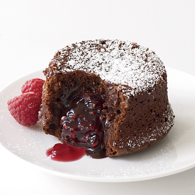 Molten Chocolate Cake With Raspberry Filling Recipe