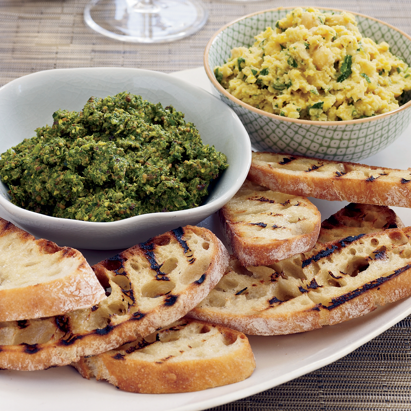 recipe-200810-r-broccoli-rabe-pesto.jpg