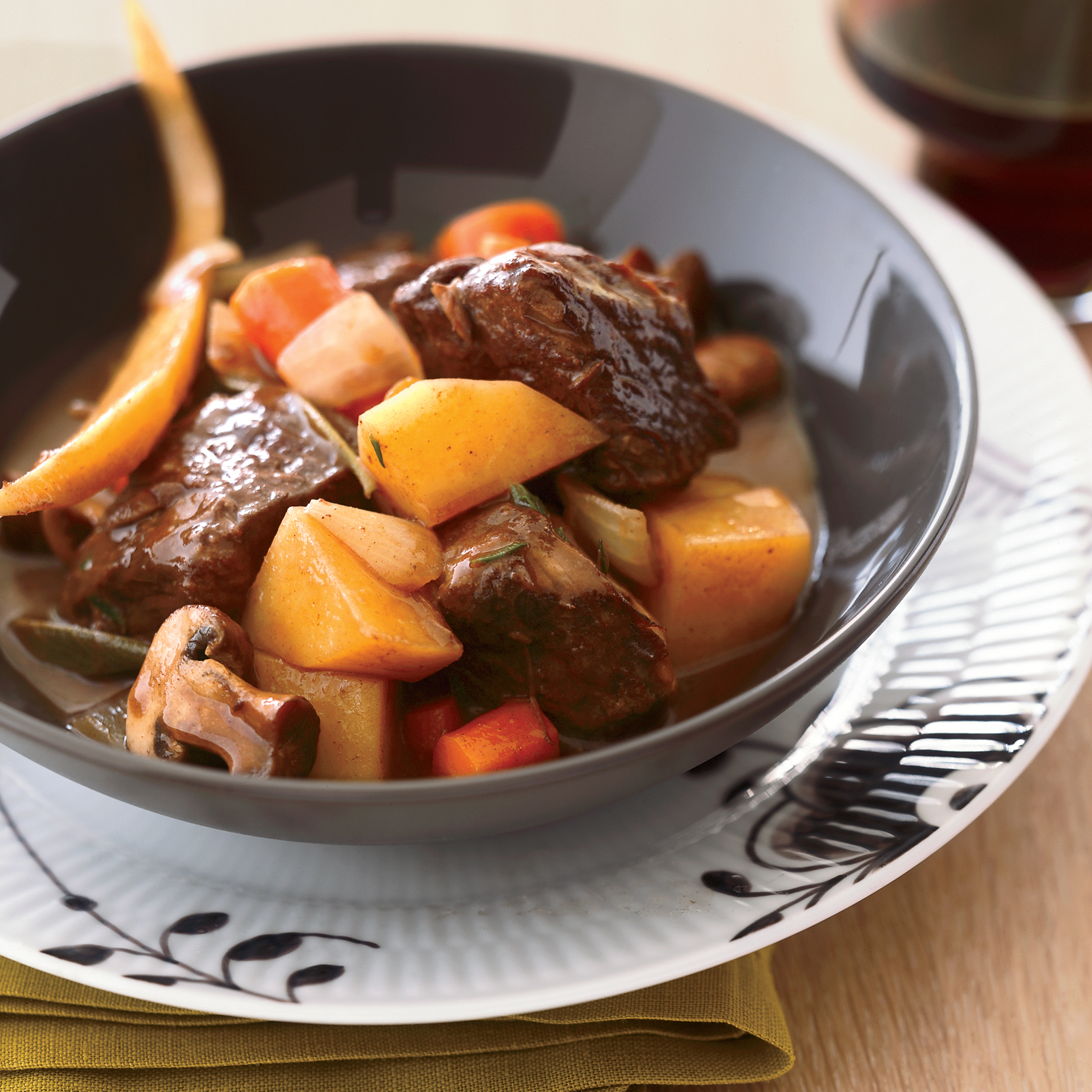 Potato with ribs stew in a slow cooker: recipes 84