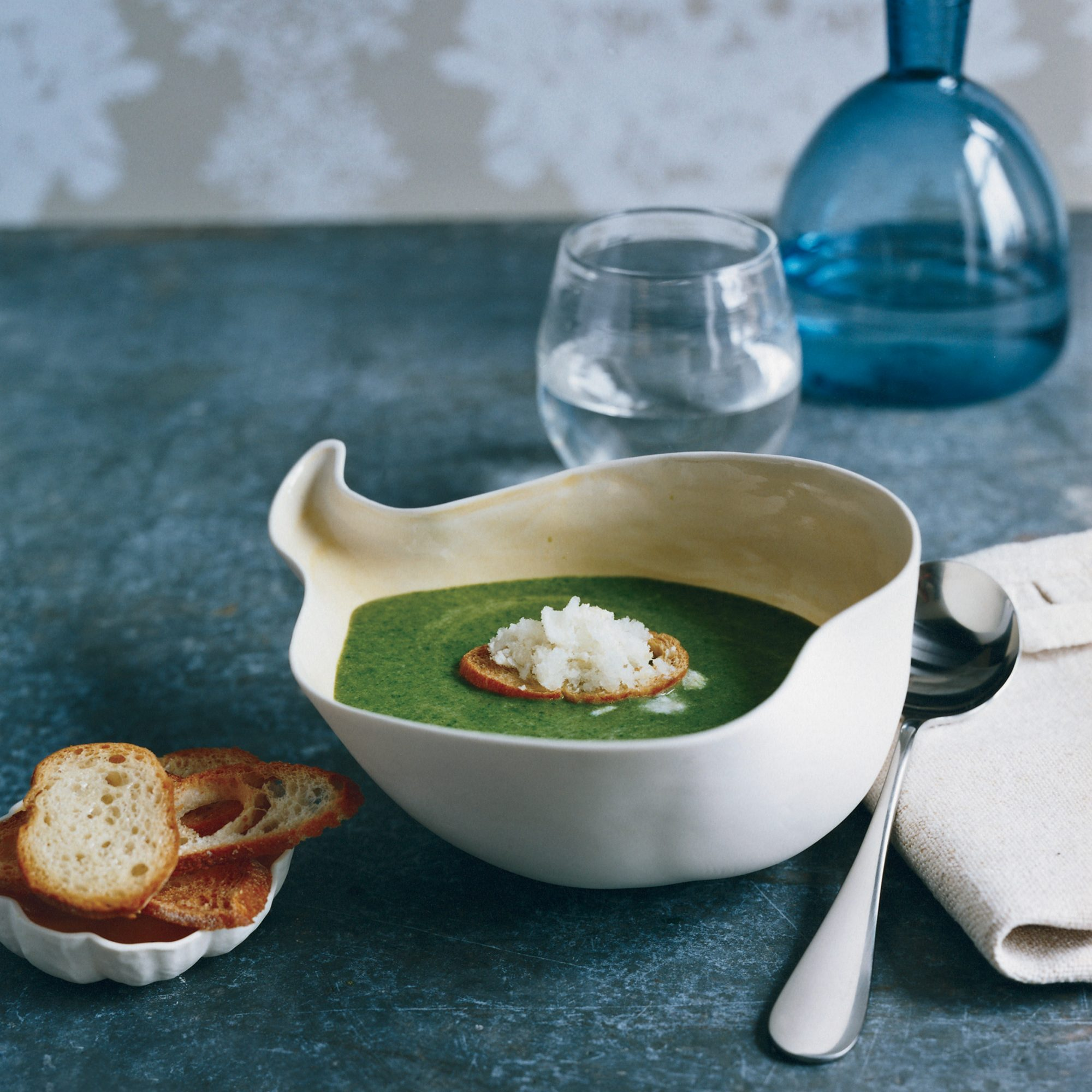 200901-r-spinach-soup.jpg