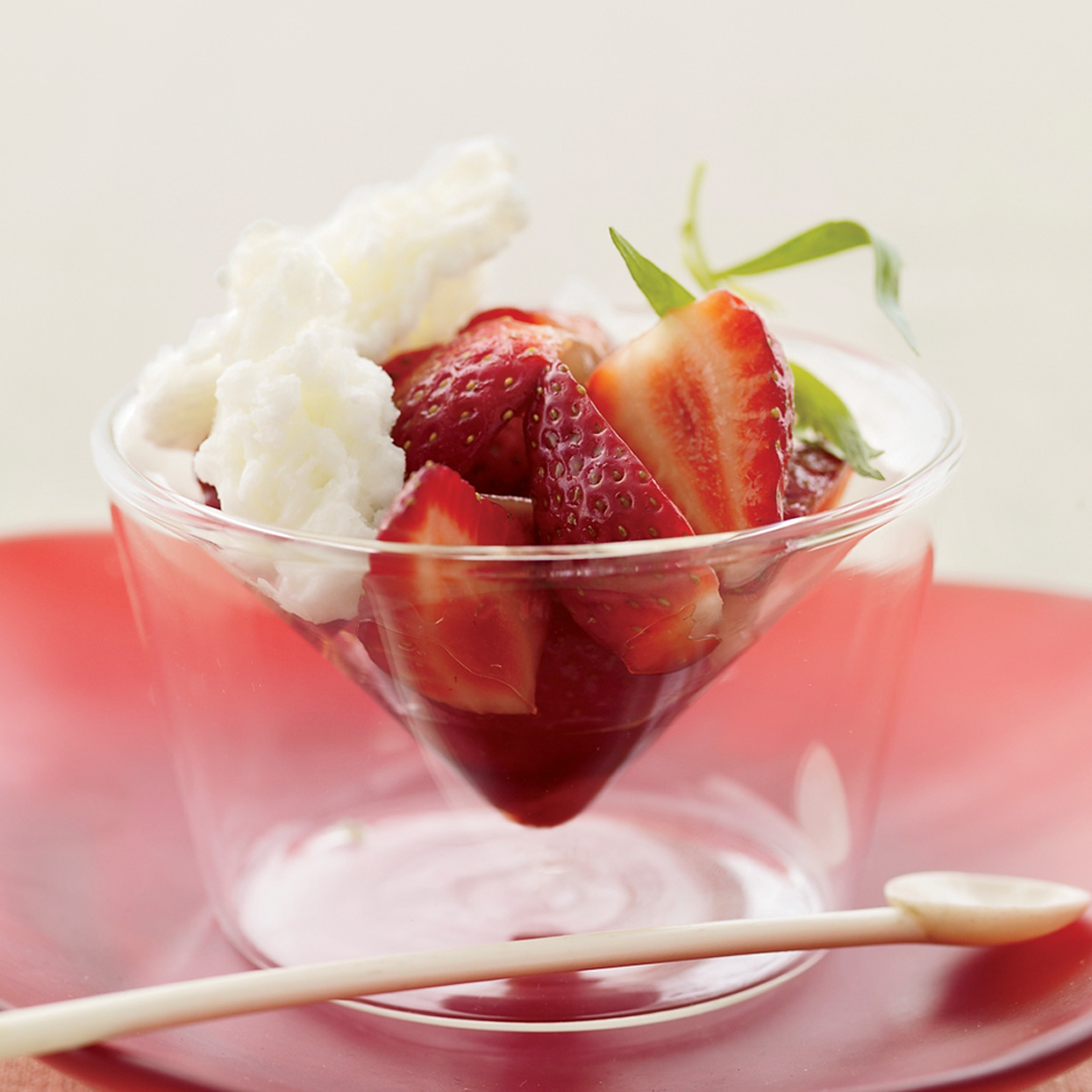 """<h1 itemprop=""""name"""">Strawberries with Buttermilk Ice and Balsamic Vinegar</h1>"""