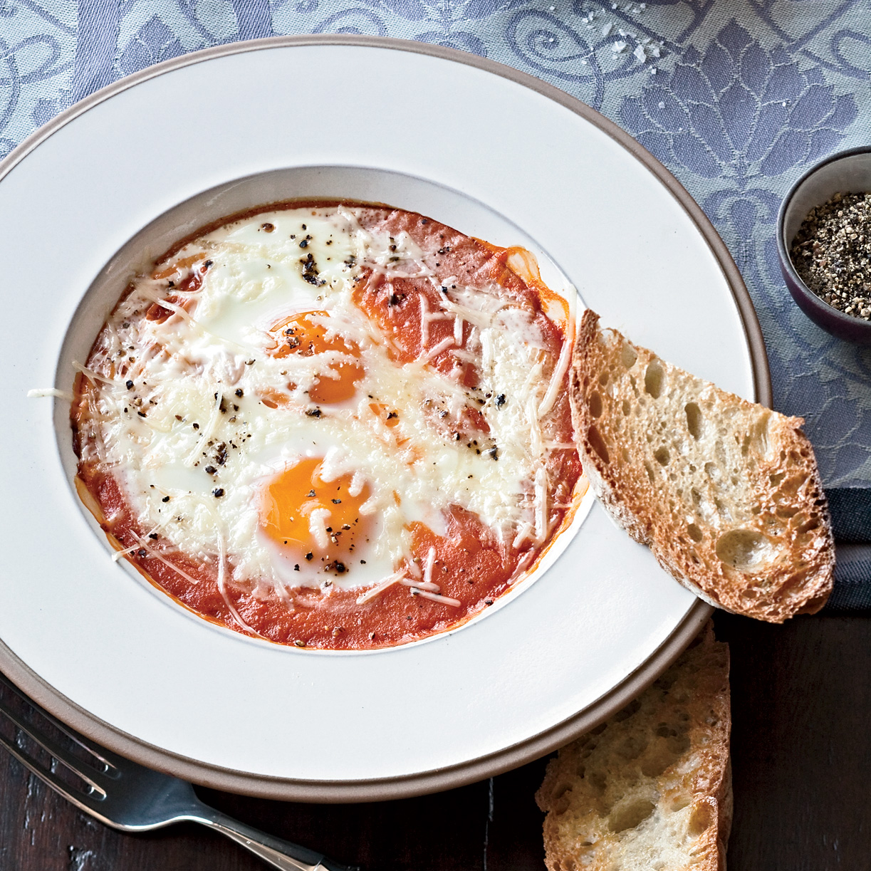 Eggs Baked in Tomato Sauce