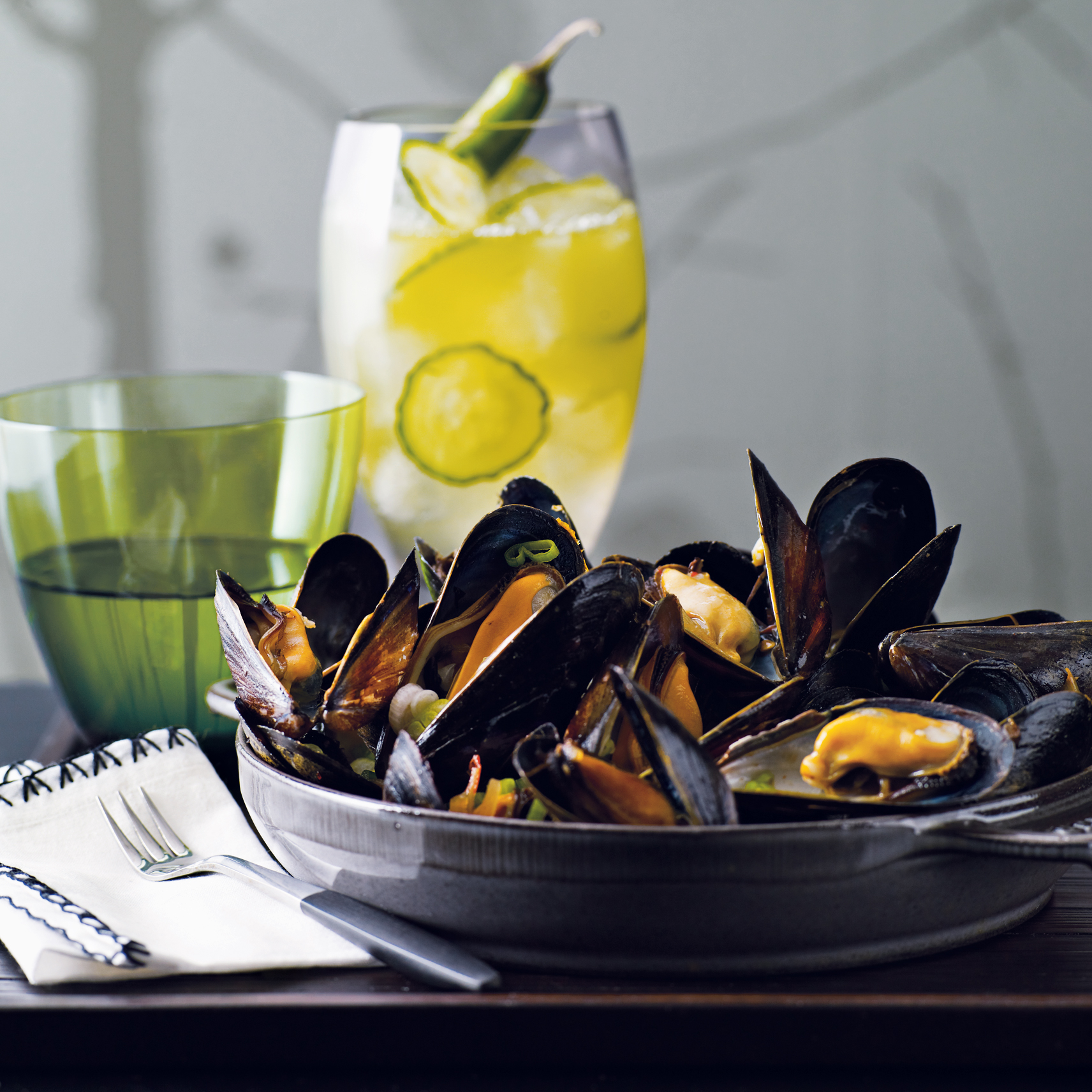 2010-r-cocktail-mussels-bean-chile-sauce.jpg