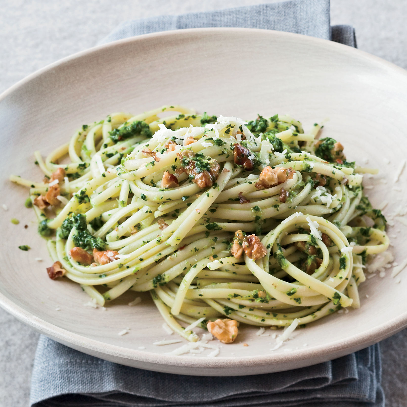 201001-r-linguine-with-broccoli-rabe.jpg