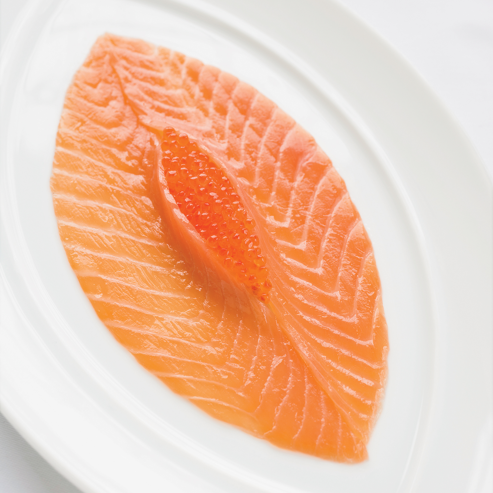 201001-r-smoked-salmon-carpaccio.jpg