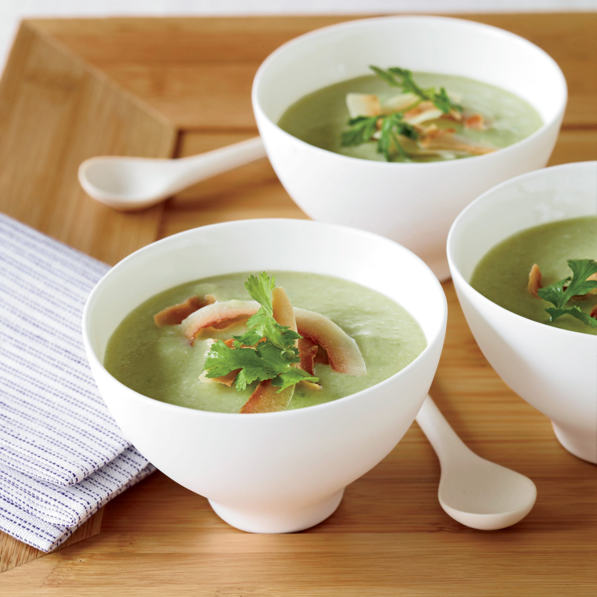 Spring Recipes: Spicy Avocado-Cucumber Soup