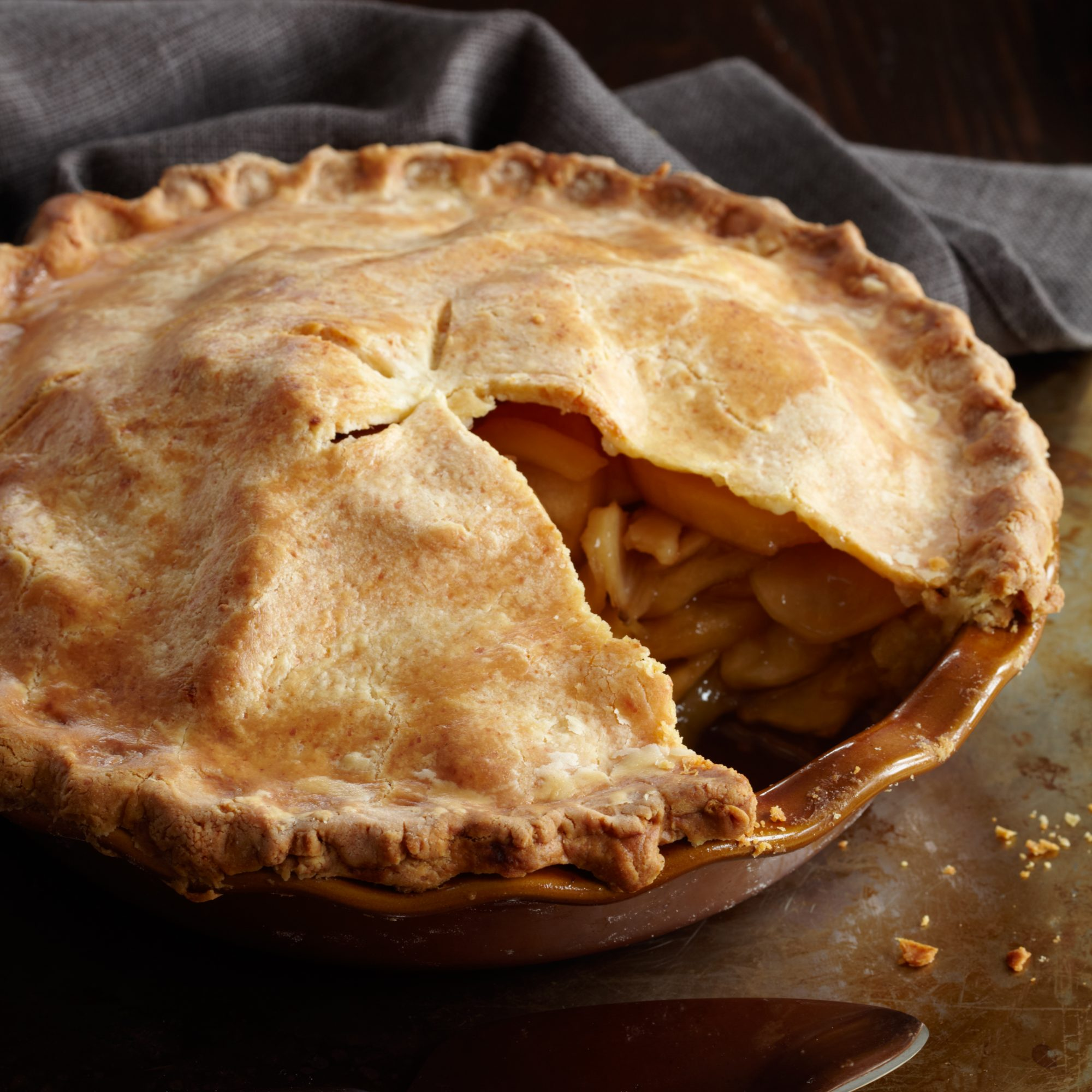 201009-r-apple-cheddar-pie.jpg