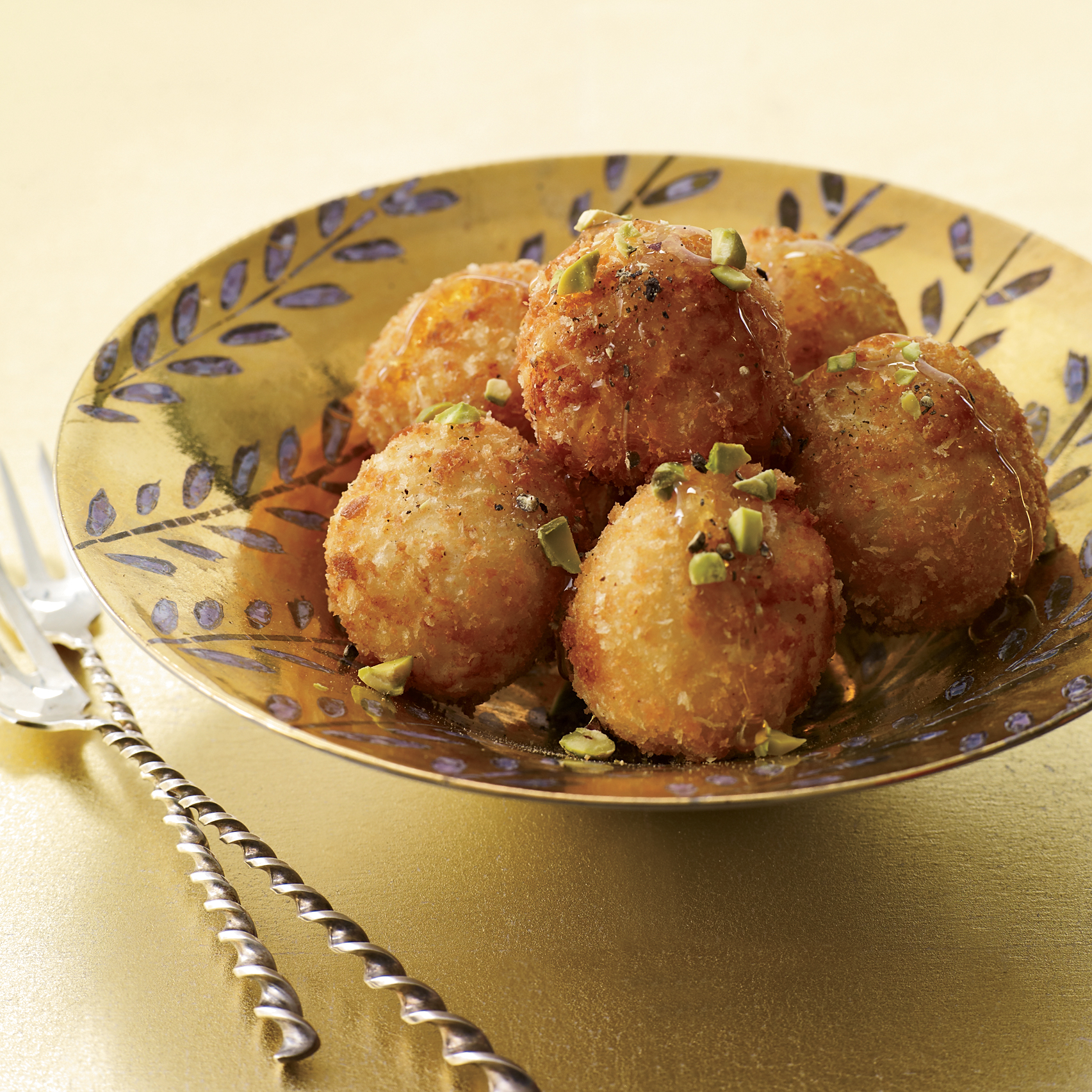 2011-cocktails-food-goat-cheese-balls.jpg