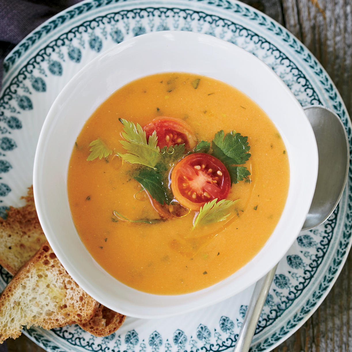 201108-r-chilled-tomato-soup.jpg