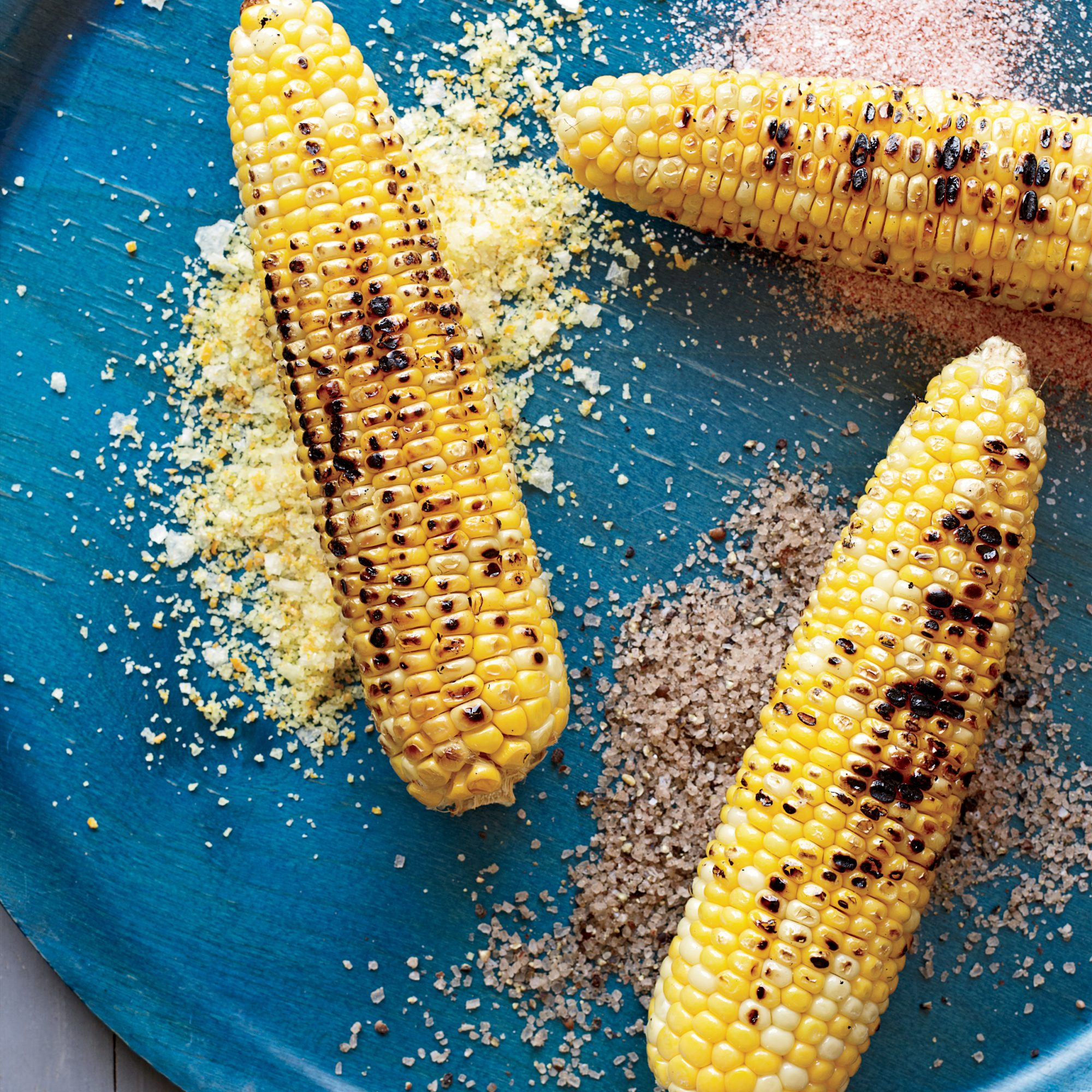 201109-r-corn-on-the-cob-with-seasoned-salts.jpg